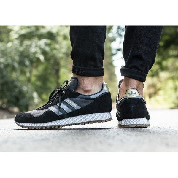 Adidas New York (CQ2212)