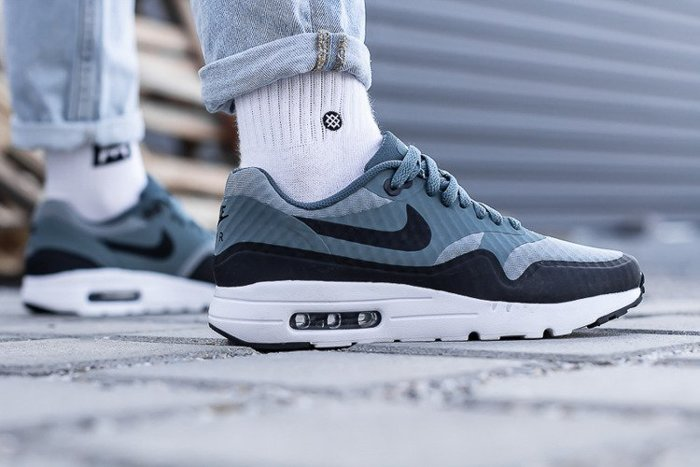 Nike Air Max 1 Ultra Essential (819476-007)