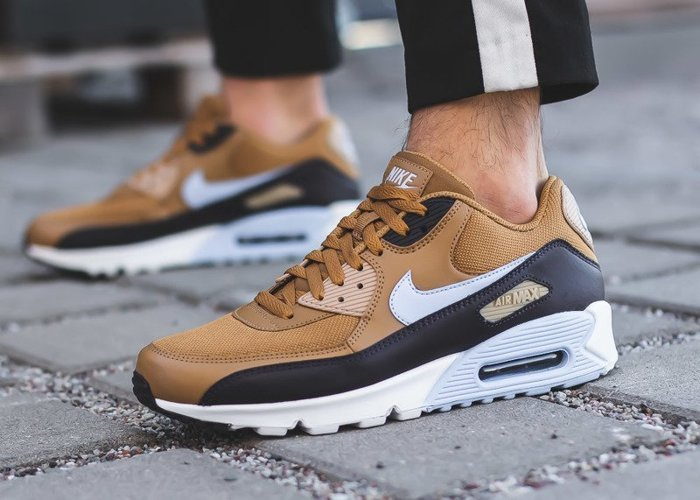 Nike Air Max 90 Essential (AJ1285-202)