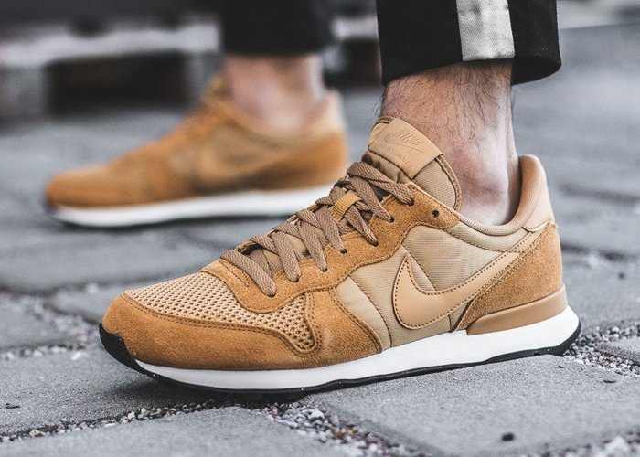 Nike Internationalist SE (AJ2024-701)